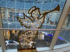 7月の旅行では、ガラス面にドイツ所縁の音楽家が描かれていました。 この時は天使。可愛いいね!  (飛行機からモンブラン、メールドグラスも!リヨン~フランクフルト~羽田 プロヴァンス・リヨンの旅16) https://4travel.jp/travelogue/11567126