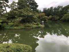 金沢城公園と隣接している兼六園へ。