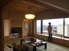 窓が大きくて気持ちのいいお部屋。