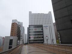 ホテルは仙台駅から商業施設をいくつか挟んでペデストリアンデッキで繋がっているモンテエルマーナ。 このホテルは前回利用したときに立地がよくて便利だったので、今回もここにしました。