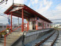 15:33 上田電鉄別所線「下之郷駅」発。 神社の直ぐ近くで駅舎もそれらしい仕様です。
