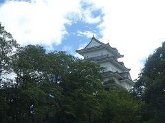 バスは小田原城を通過し、ドラクエウォークのお土産を ゲットできました。 走ること50分