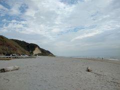 昼食後、42号線を走り、朝ドラ「エール」のオープニングのロケ地「伊古部海岸」へ。