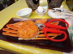 GoToトラベルでよく食べているカニ。 アワビのバター焼きと若狭牛のすき焼きもあって大満足。