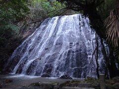 瀬尾観音三滝(全部で3段の滝ですが、全景は見渡せません。 一番下の滝)