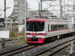 引き続き神宮前駅で電車の撮影。こちらは残り2編成しかない名鉄1700系。 1702編成。