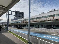 成田空港から福岡空港まで早朝便で向かいます。第3ターミナルからはバスには乗らず歩いて沖止めの飛行機に乗れました。海外路線はバス、国内路線は徒歩なんでしょうか。なんにせよ、すぐに搭乗できて嬉しいです。機内はGotoトラベルの影響かほぼ満席でした。 福岡空港からレンタカーを借りて久留米に向かいます。  ★ジェットスター NRT 7:05発 FUK 9:10着