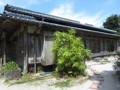 有料見学の屋敷の家屋は、だいたいこのような、わりと質素な家屋。