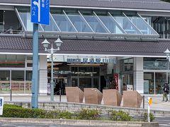 尾道ICで高速を降りて尾道市街を走ります。 駅も建て替えたばかりなのでしょうか?きれいです。