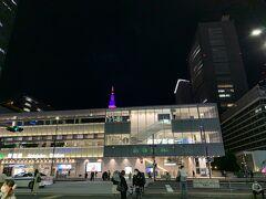 23時過ぎ、仕事を終えていったん帰宅してからバスタ新宿へ。