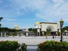 やってきました、マレーシア国王の王宮 ISTANA NEGARA(イスタナ・ネガラ)