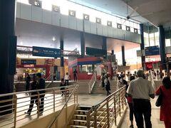 クアラルンプールの最初のモスクの 名前が付いてる駅 マスジッド ジャメ駅