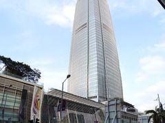 まず最初に駅の向かいのifcモールという高層ビルを見学。