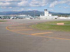 函館空港に着陸です。