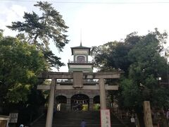 8:00 今日は尾山神社からスタート。 スポットライトが当たっていた昨夜とは、また異なる趣。