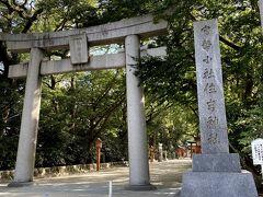 博多駅から、夕べ通り過ぎた住吉神社へ。 久々にすがすがしい気持ちになります。