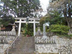 資料館の隣にある城上神社。本殿の天井には鳴き龍の絵。何度も手を叩いてみたが、龍は鳴いてくれなかったけど。