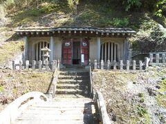 羅漢寺。この奥に五百羅漢像。