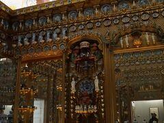 ハーバータウンにはポルセレインミュージアムがある。磁器の間には約3,000点の展示の磁器が展示されている。写真はドイツ・ベルリンにあるシャルロッテンブルグ宮殿の磁器の部屋「ポルセレイン・キャビネット」を再現したものである。