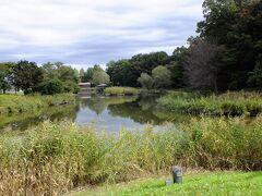 まくらがの里を後に古河総合公園に行きました。 佐野のアウトレットに行くときに横を通っていたのですが初めて行きました。中には池や子どもの遊具も有り家族つてには良い公園だと思います。