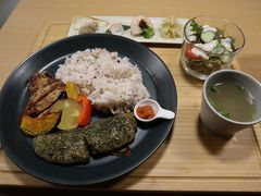 夕食は「漬×麹Haccomachi」で身体に良い発酵食品を。
