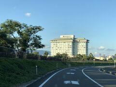 今日の宿泊は 『琵琶湖マリオットホテル』  GoTo使いまくりの長女ゆーちゃんも先日泊まって 「良かったよ~」と言ってたので その言葉を信じて来ちゃいました。