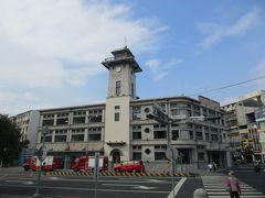 1938年に消防署を中心とした合同庁舎として建設された旧台南合同庁舎。 現在も消防署として使用されており、その一際高い火の見櫓は台南のランドマークとなっています。 2019年春には庁舎内のリニューアル工事が完成、消防史料館が開館したといいます。