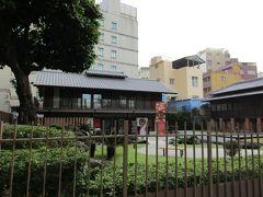 日本統治時代に建設された料亭「鶯料理」 台南の要人の会合や社交の場として使われ、また皇太子時代の昭和天皇が行啓された由緒ある料亭です。 現在は記念館やギャラリー、カフェとして活用されているそう。