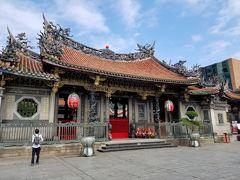 龍山寺 前殿
