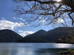 初めまして。  なんて美しいのかしら。 大雪山国立公園にある唯一の自然湖。