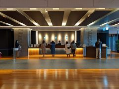 ▽10月22日(木) 3日目続き ホテルに入り、チェックインを済ませます。