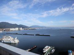 屋上展望台から朝の琵琶湖をパチリ