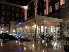 夕食は長蛇に並んだりを避けて。  ウォーターマックホテル内にあるレストランを予約しておきました。