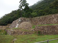 鳥取城の一番の特徴は球型の石垣。