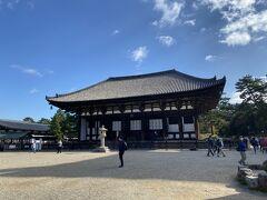 では興福寺へ。 お寺は心が洗われるね~  大和の国を支配するほどの僧兵を抱えていた、 歴史好きにはたまらないお寺。