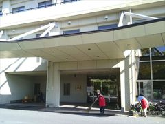 雲仙仁田峠を後にして、次は温泉&ランチで、「国民宿舎 青雲荘」へ。ここは素敵な露天風呂があるらしいです。