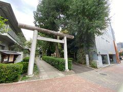 一つ目のスポットは氷川神社です。