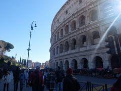 それでもこれはねー見てしまうと興奮しちゃうよ!!! でかい! これに限らず、ローマは(欧州の)普通の街だな…って思って歩いている最中にびっくりするようなでかい建物が現れて(大体史跡)、なんだこれはってなりました。アンバランスさが面白かった!