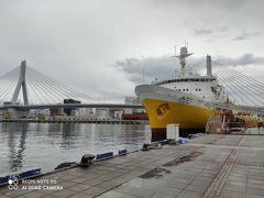 八甲田丸  昭和63年まで青森と函館をつないでいた青函連絡船。 内部は資料館になっていますが、今回はスキップ。 ワ・ラッセ、エーファクトリー、八甲田丸は駅近くに固まってるので観光に便利。
