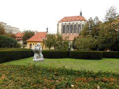 フランティシュカーンスカー庭園から雪の聖母教会の外観を撮って見ました。