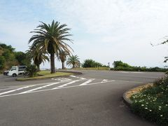 青島へと思い、車を走らせますが、俗っぽい雰囲気でパス。 景勝地の堀切峠へ。 30数年前(初のマイカー:マツダ・ファミリアXGをフェリーに乗せて)にも、 来た記憶があります。