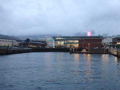 大和ミュージアムと鉄のくじら館も目の前に見えてます。 呉港でお客さんを降ろしたら出発です。 この後、プリンスホテルでもお客さんを降ろし、ゴールの広島港へ向かいました。