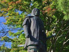 大河ドラマ「風林火山」での謙信役(Gackt)の影響で優男のイメージがありますが、こちらの銅像はガッチリとした武将って感じですね~。
