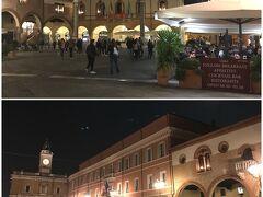ラヴェンナ中心部にあるポポロ広場を通り抜けて帰ります。  土曜の晩なので賑やかです。