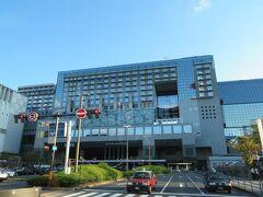 京都ではホテルグランヴィア京都に3連泊します。駅の真上にある好立地。 JR西日本系のホテルです。 (外観写真は翌々日昼間に撮りました)