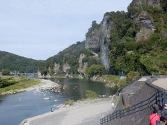 本日のお宿、別府の前に渓谷が美しい大分県中津市近辺の耶馬渓エリアに立ち寄りました。