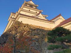 お次は鶴ヶ城へ。