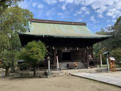 久留米市の久留米城跡地に建つ篠山神社の社務所で久留米城のスタンプをもらいます。大きな敷地の境内からは筑後川が見下ろすことができます。