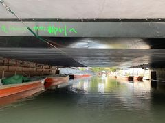 柳川でどんこ舟でめぐる1時間程のお堀下りに。