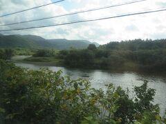 天塩川。昨日とは全然違う風景。でも宗谷本線は木が多いから写真を撮るタイミングを計るのが難しい。